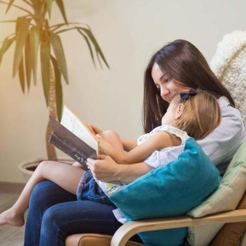 Классические и нестандартные методы проверки няни для ребёнка